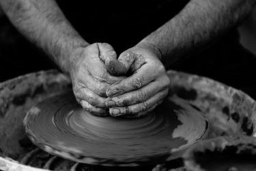 韓国紙「日本の芋焼酎は朝鮮陶器のおかげで発展」「島津が陶工拉致し明治維新まで作らせた」