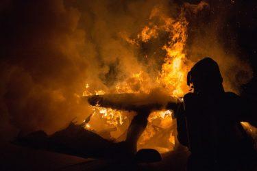 韓国消費者団体がテスラとイーロン・マスクCEOを訴える 火災死亡事故など指し「重大な欠陥を隠蔽」