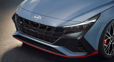 現代自動車が高級モデル「アバンテN」を公開 「日常からサーキットまで車愛好家の最適オプション」