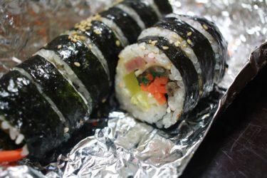 韓国のキムパ(海苔巻き)店で食中毒相次ぐ 症状300人超、死亡者も